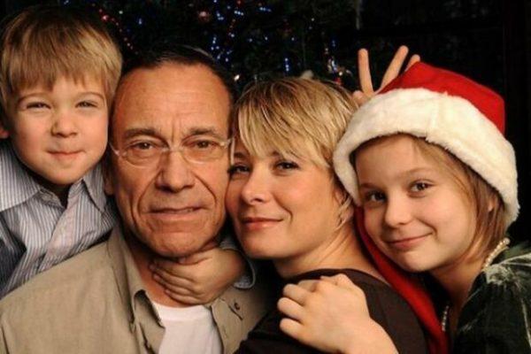 Андрей Кончаловский и Юлия Высоцкая с сыном и дочкой Машей