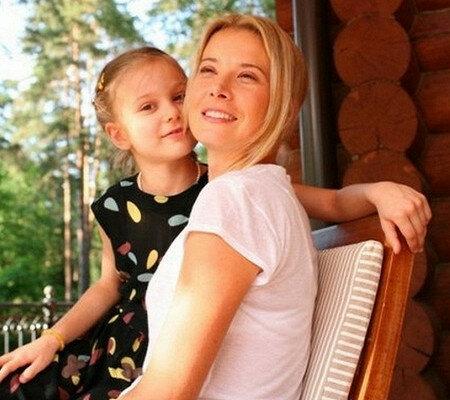 Юлия Высоцкая и дочь Маша